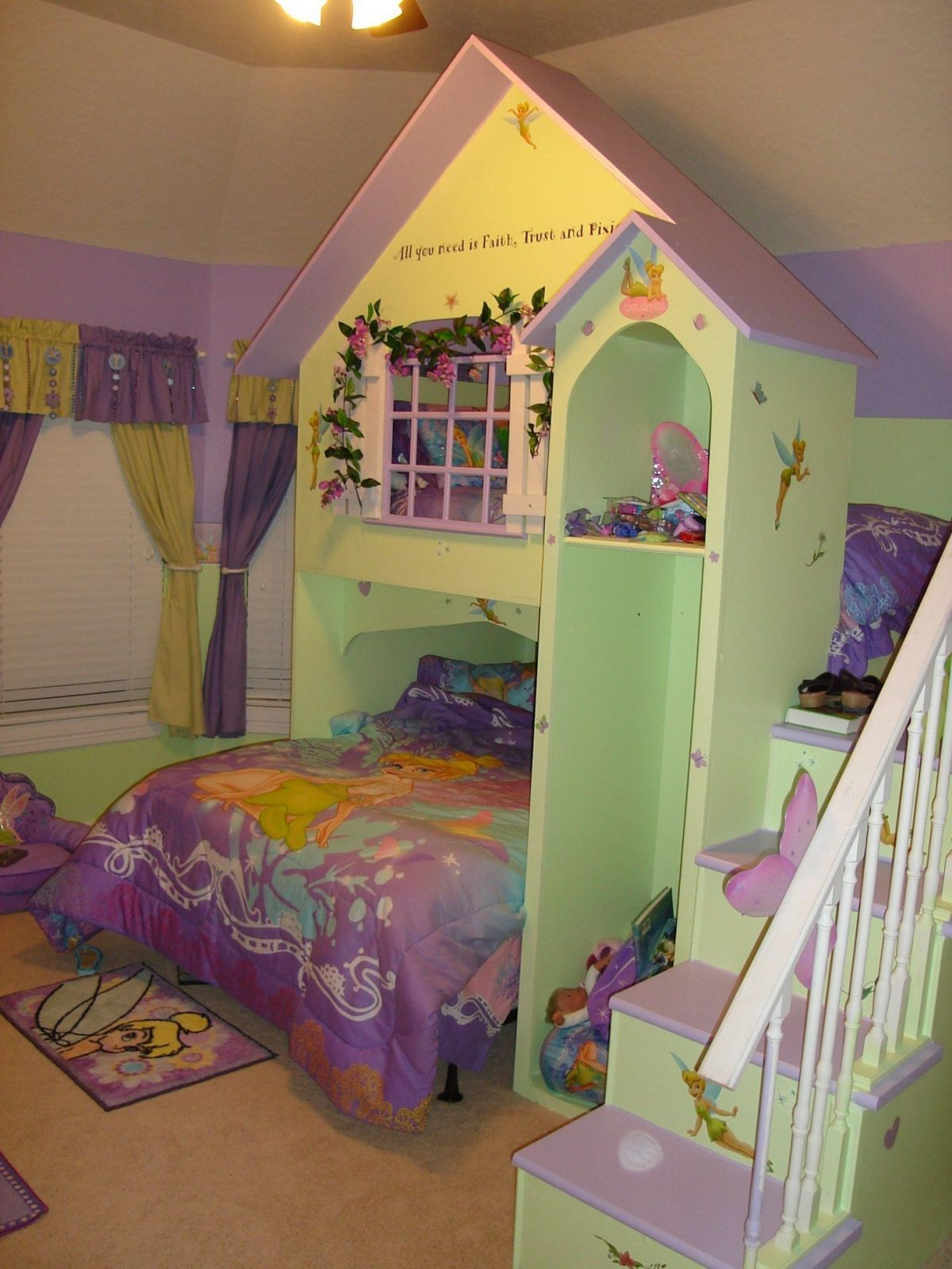 10 Totally Adorable Room Ideas For Girls  Tinkerbell Room And Kids von Tinker Bell Bed Sets Photo