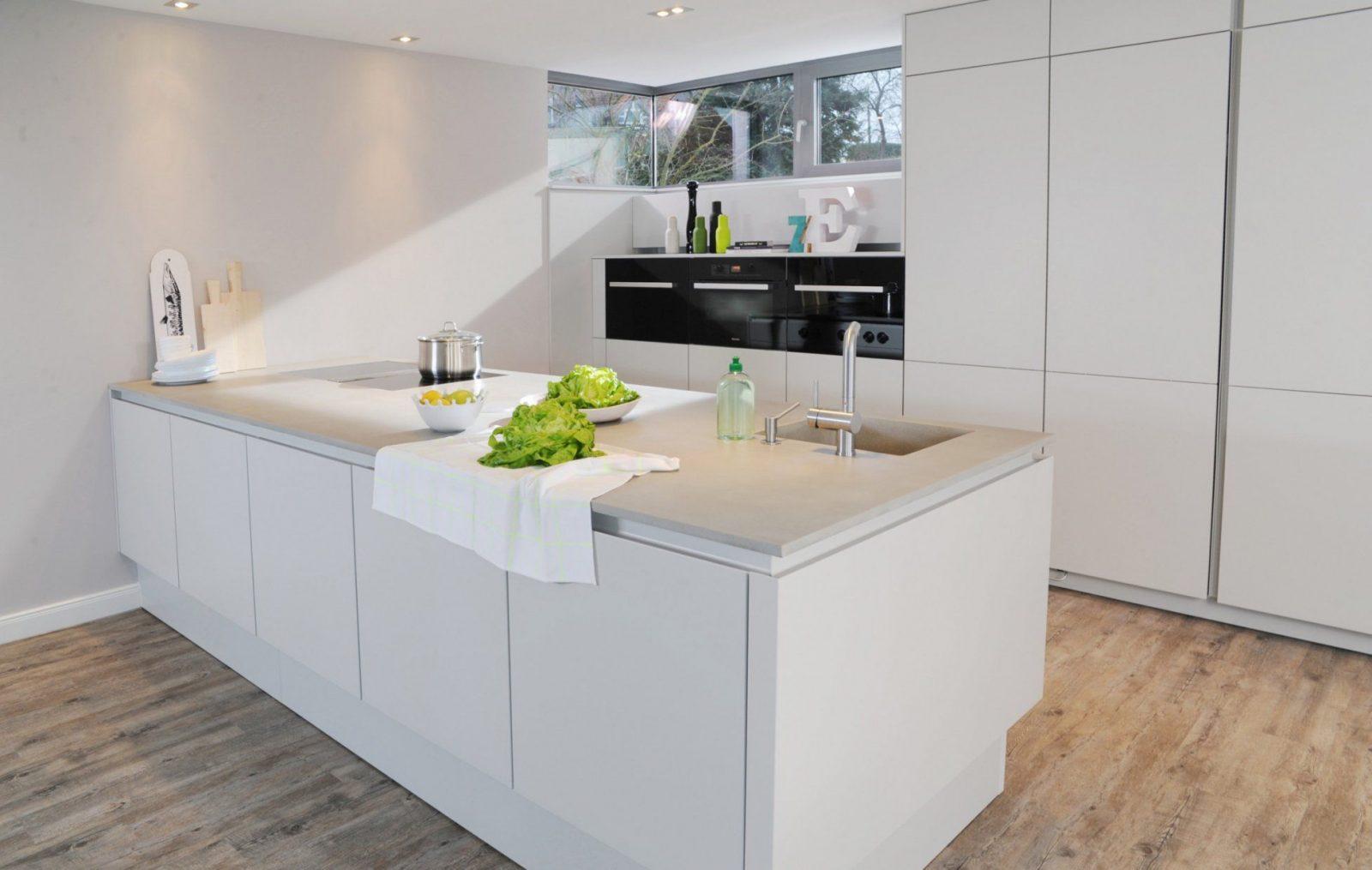 22 Reizend Dekor Um Weiße Küche Mit Holz  Beste Inspiration Von von Weiße Küche Mit Weißer Arbeitsplatte Photo