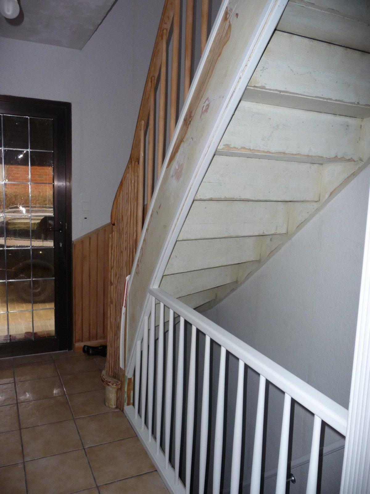 Alte Holztreppe Farbig Streichen  Hausgarten von Holztreppe Streichen Welcher Lack Bild