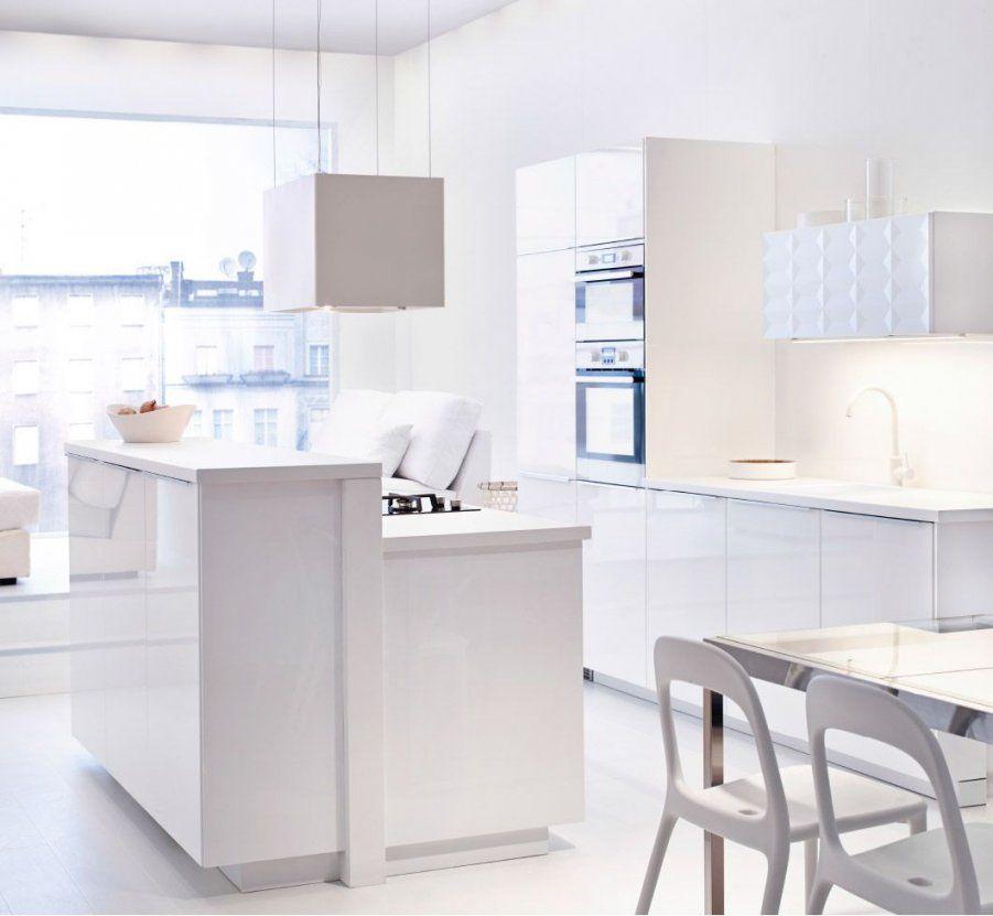 Ansicht Der Gesamten Ikea Küche In Leuchtendem Weiß Inklusive von Ikea Küchenzeile Mit Elektrogeräten Bild