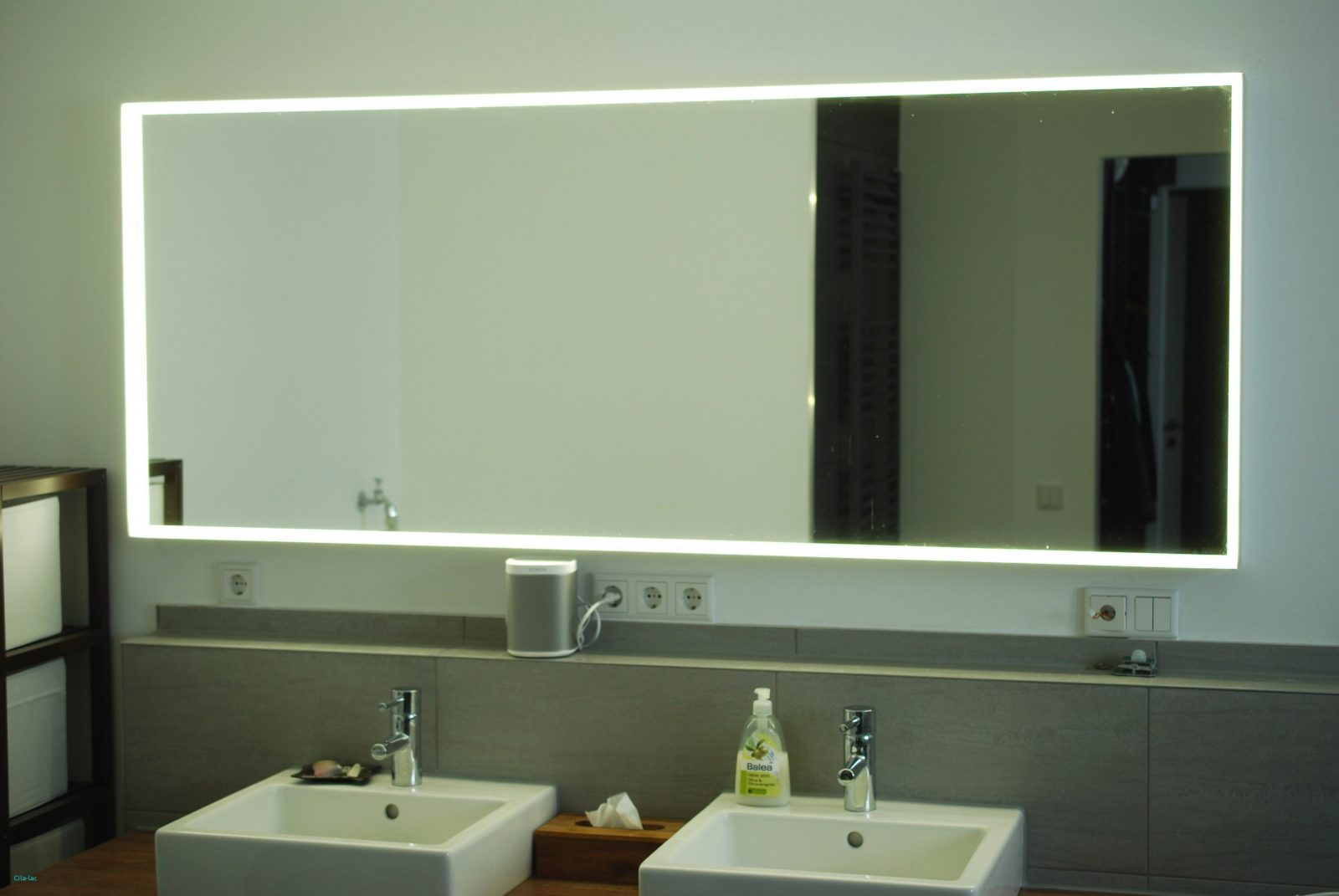 Badezimmer Fliesen Mit Badspiegel Steckdose Schöne Ikea Hack Bad von Led Spiegel Mit Steckdose Bild