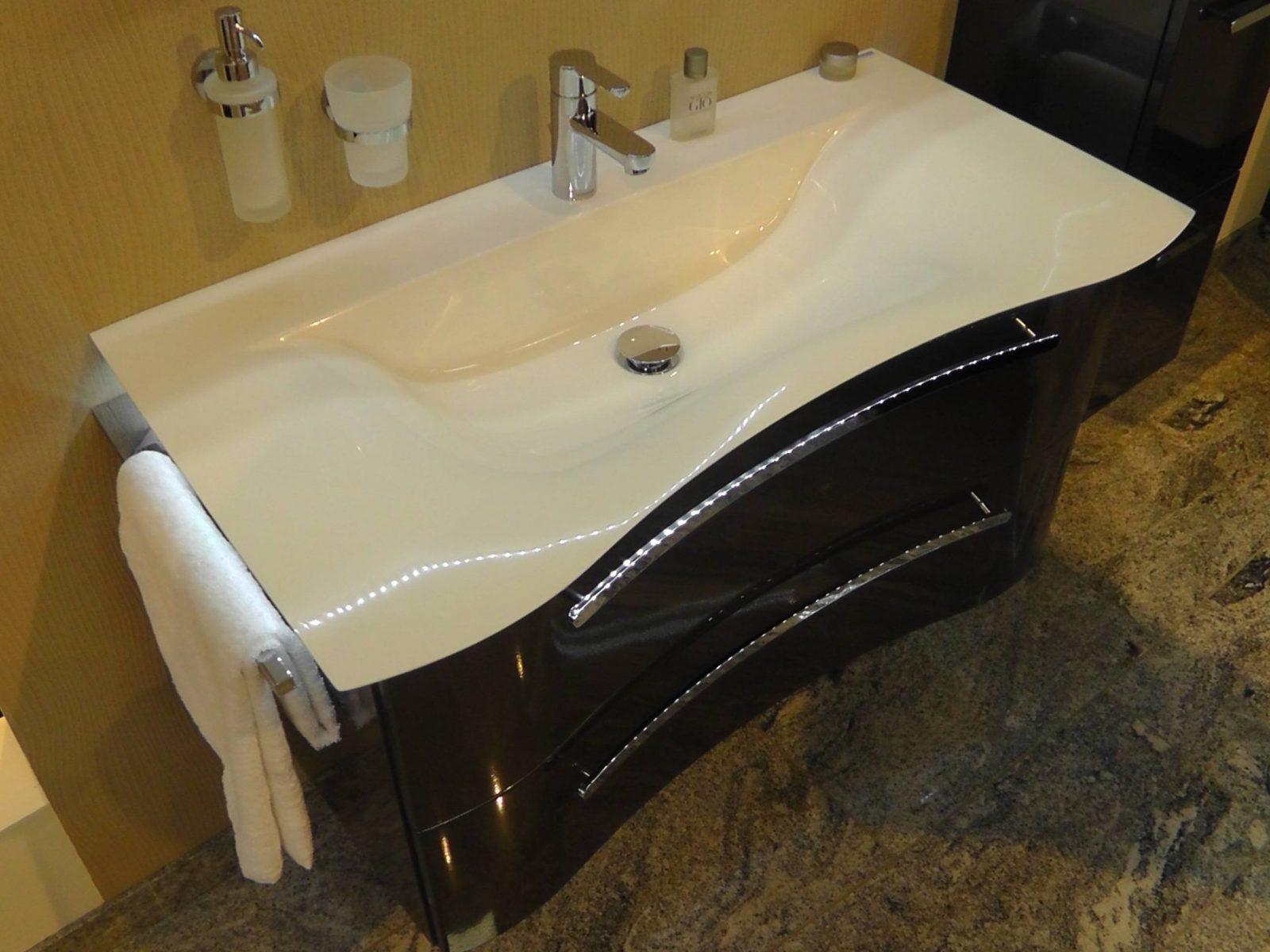 Badmobel Waschtisch Home Design Inspiration Und Mobel Ideen Von von Waschbecken Mit Unterschrank 70 Cm Breit Photo