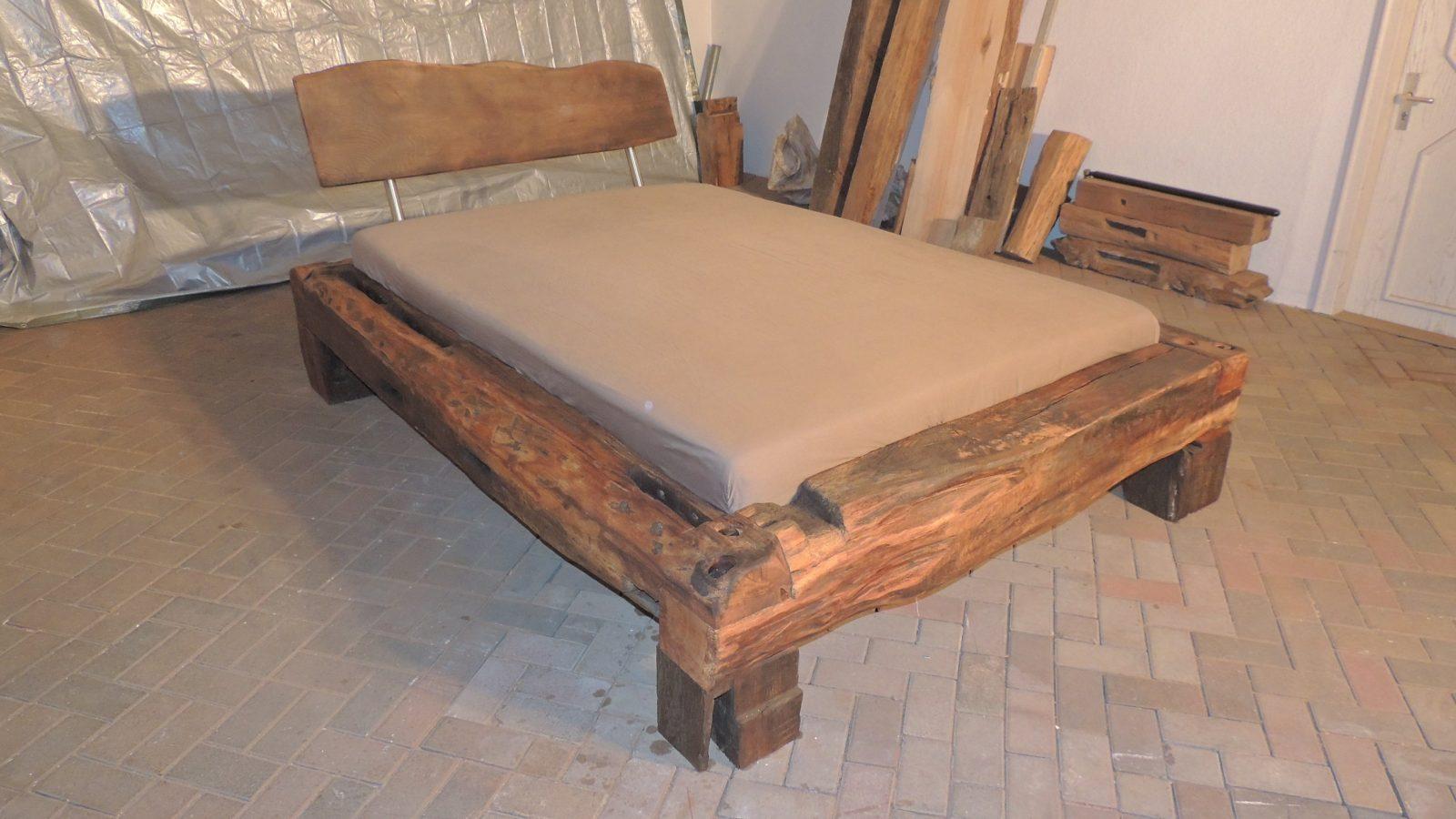 Balkenbett  24 Individuelle Produkte Aus Der Kategorie Wohnen + von Bett Aus Alten Holzbalken Photo
