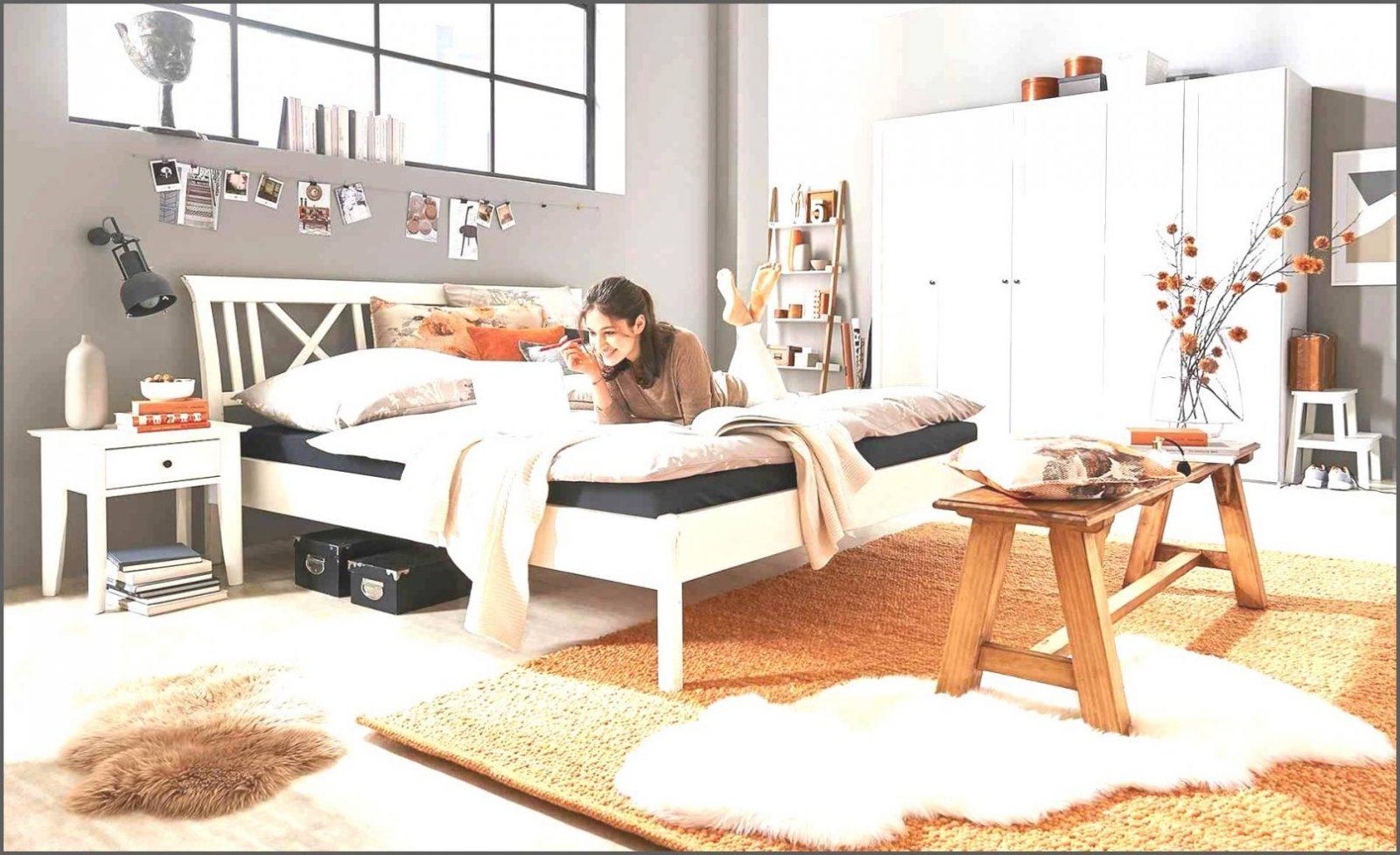 Bemerkenswerte Ideen Sitzbank Vor Dem Bett Und Fabelhafte Bank Von von Sitzbank Vor Dem Bett Photo