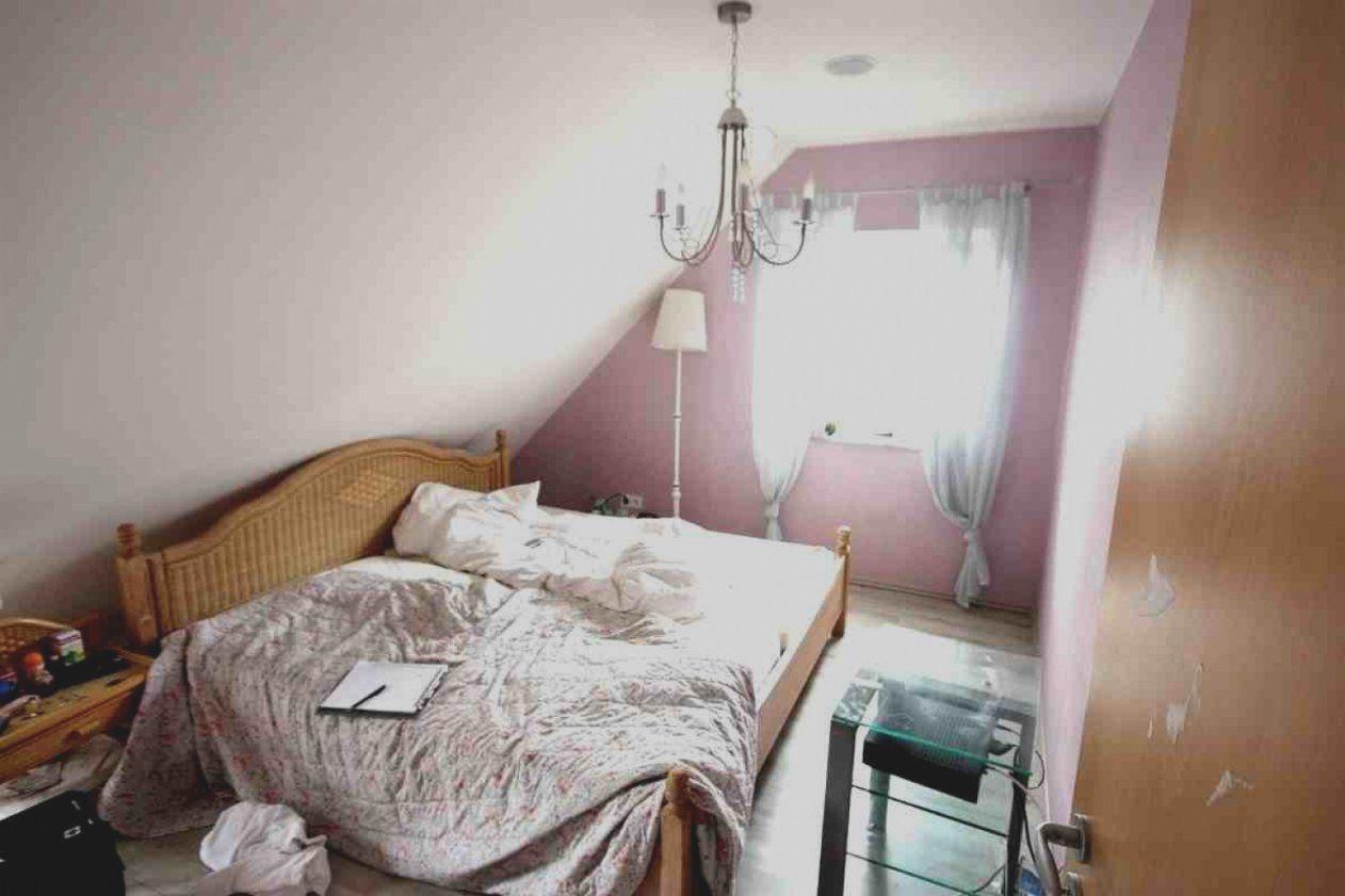 Bilder Wohnidee Schlafzimmer 7 Raumax Mit Tapete Für Dachschräge Und von Deko Für Schräge Wände Bild
