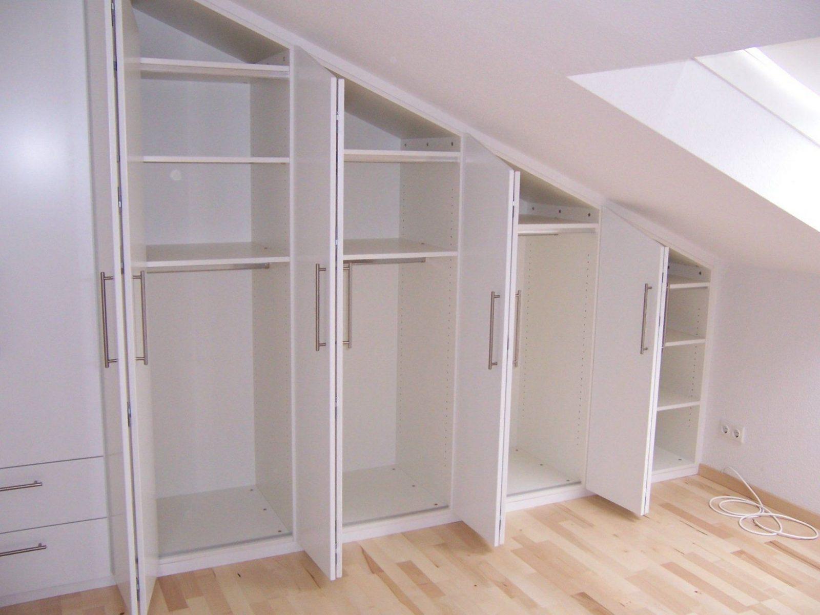 Bildergebnis Für Dachschräge Schlafzimmer  Attic Ideas  Pinterest von Ikea Schrank Für Schräge Bild