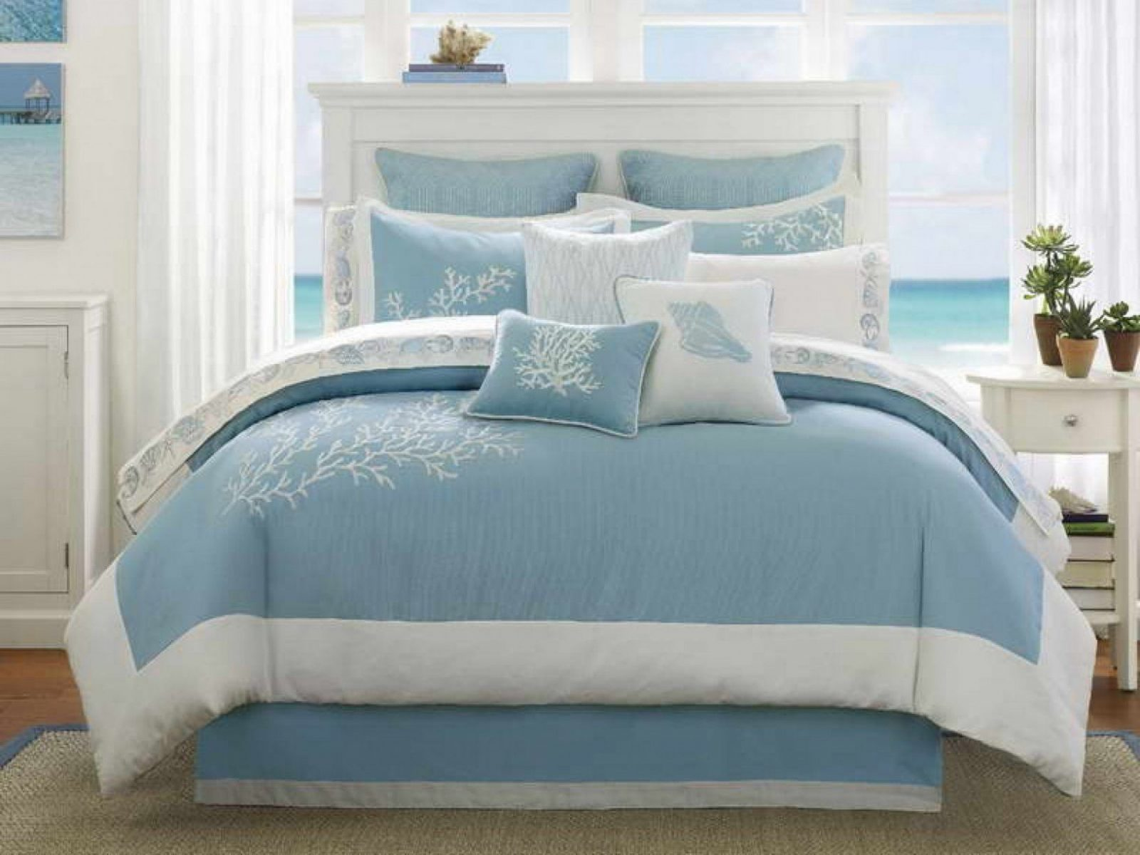 Blue And White Bedding Sets With Rectangle Bed Having High Headboard von Beach Themed Bedding For Adults Bild