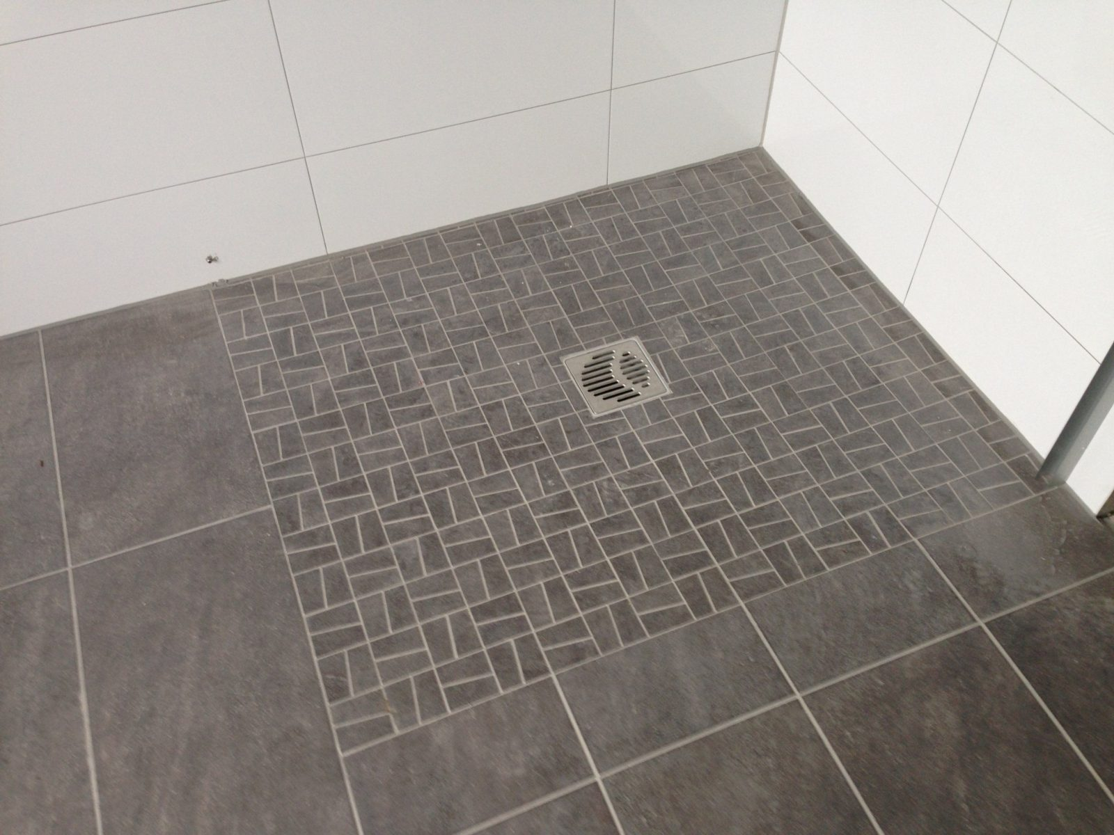 Bodengleiche Dusche Fliesen  Gispatcher von Bodengleiche Dusche Fliesen Rutschfest Bild