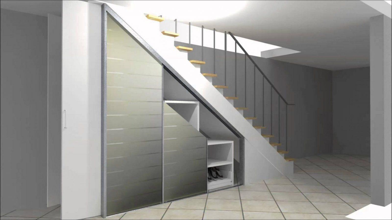 Cabinet Einbauschrank Zur Nutzung Von Stauraum Unter Einer Treppe von Schrank Unter Der Treppe Bild