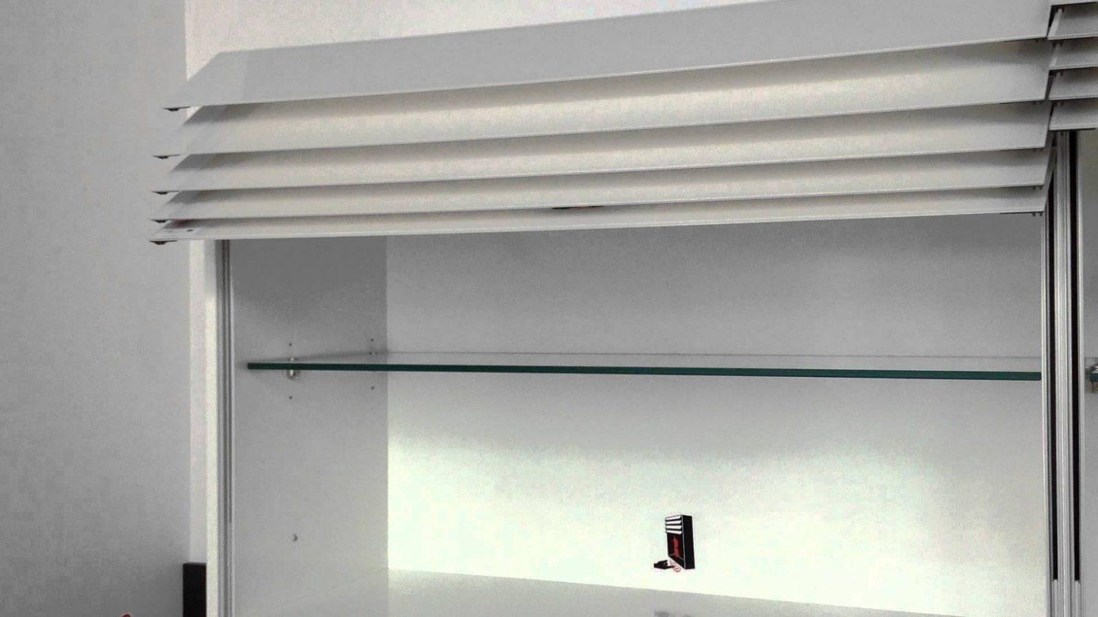 Der Climber Ein Hängeschrank Mit Elektrischen Lamellen  Youtube von Küchen Hängeschrank Mit Schiebetüren Bild