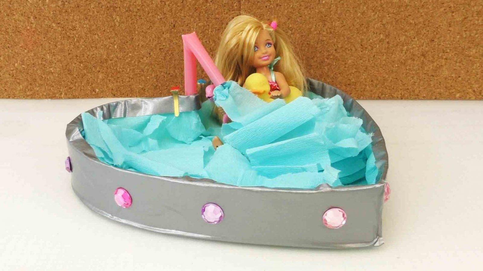 Diy Möbel  Badewanne Für Barbie Basteln  Youtube von Barbie Bett Selber Bauen Bild