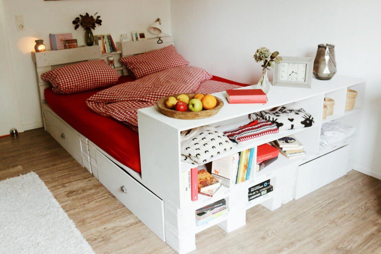 ᐅᐅ Palettenbett Selber Bauen  Europaletten Bett Diy Anleitung & Shop von Bett Mit Europaletten Bauen Bild