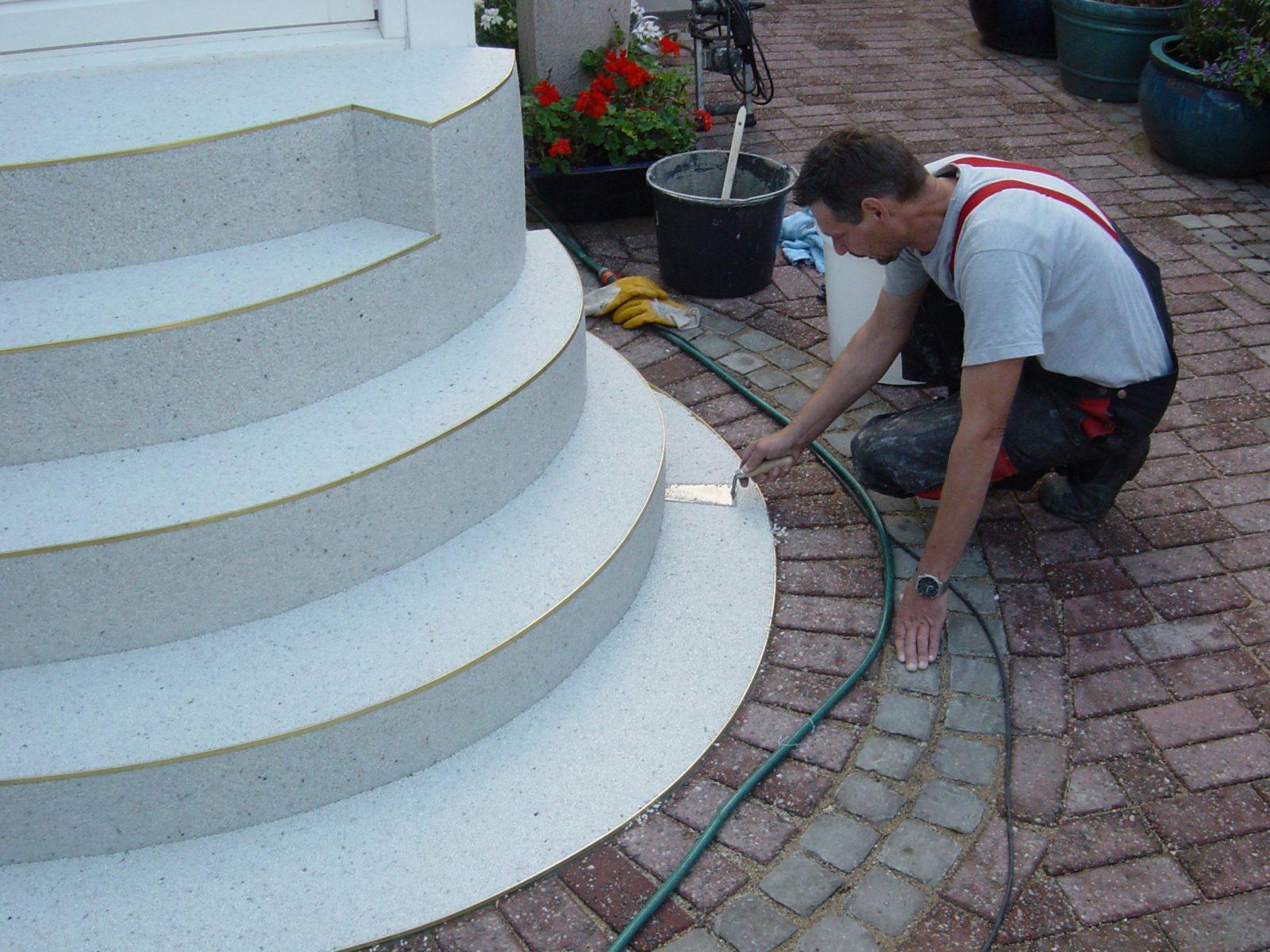 Ein Neues Kleid – Stufe Für Stufe  Außentreppen Sanieren Und von Außentreppe Sanieren Mit Marmorgranulat Photo