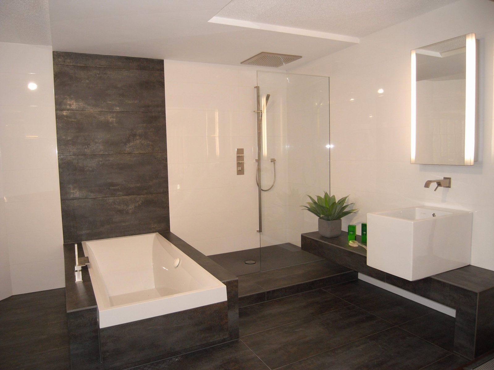 Exquisit Moderne Badezimmer Fliesen Beige Für Pleasant Bad Modern von Moderne Badezimmer Fliesen Beige Bild