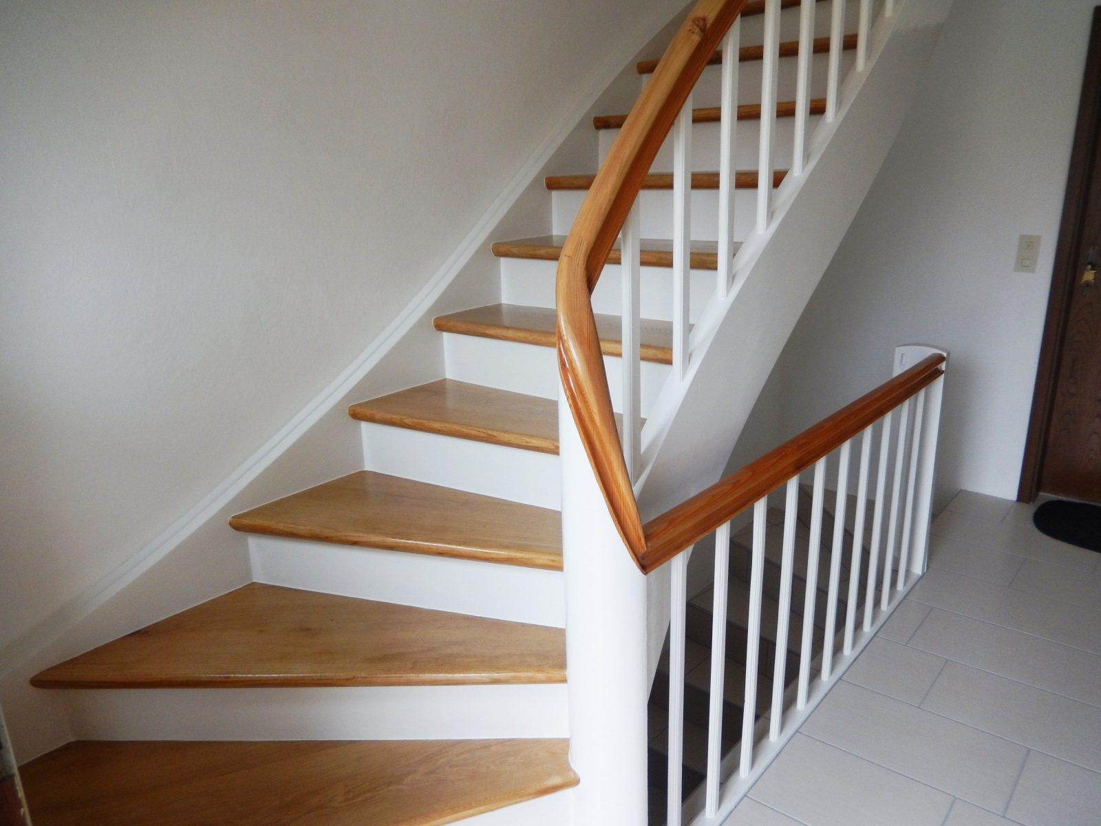 Faszinierend Alte Holztreppe Streichen Treppe Abschleifen Und von Holztreppe Streichen Welcher Lack Bild