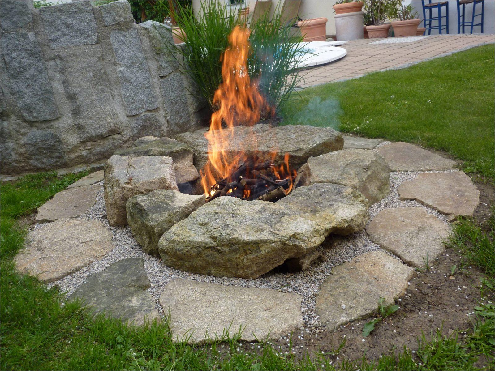 Feuerstelle Im Garten Wunderschöne  Feuerstellen Von von Feuerstelle Im Garten Bauen Bild