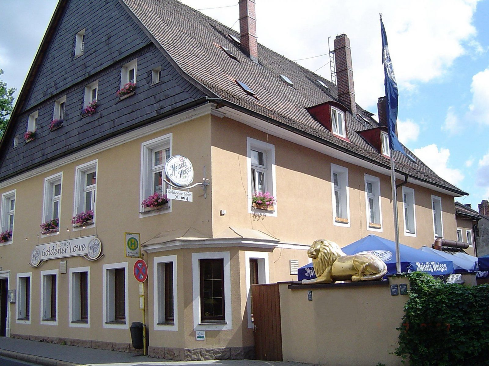 Filebayreuth 070707 Kulmbacherstrasse 30 Goldener Loewe von Brauereigasthof Goldener Löwe Bayreuth Photo