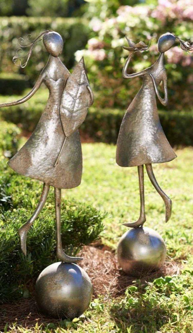 Fröhliche Abstrakte Figuren Von Männchen Aus Metall  Garten Ideen von Skulpturen Aus Metall Für Den Garten Photo