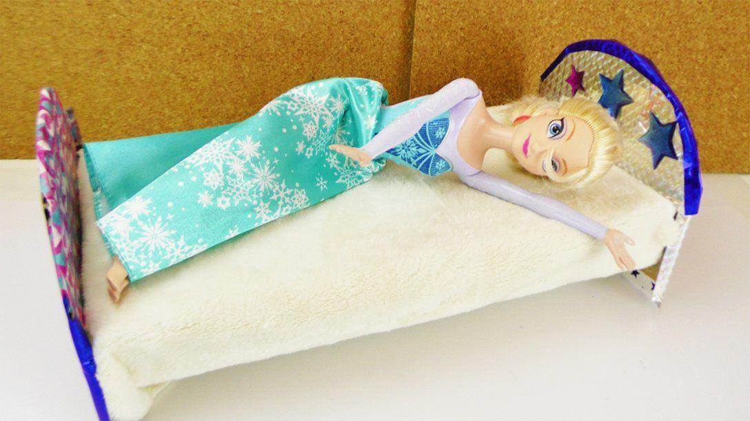 Frozen Eiskönigin Bekommt Ein Neues Bett  Barbie Bett Selber Machen von Barbie Bett Selber Bauen Photo