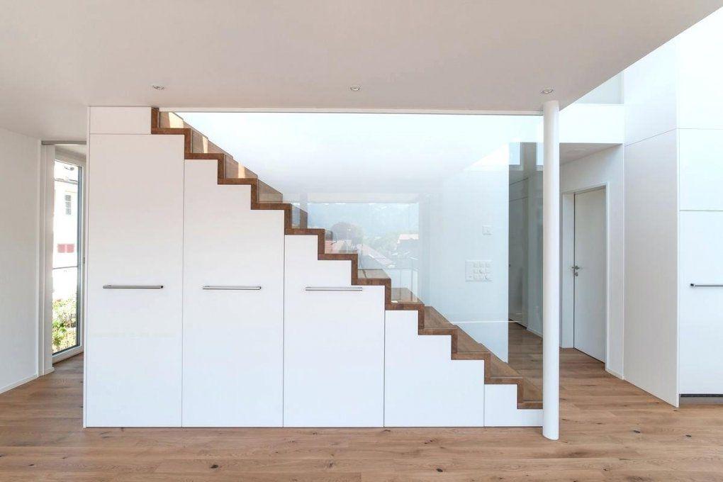 Garderobe Unter Treppe Trendy Schrank With Der Englisch Selber Bauen von Schrank Unter Der Treppe Bild