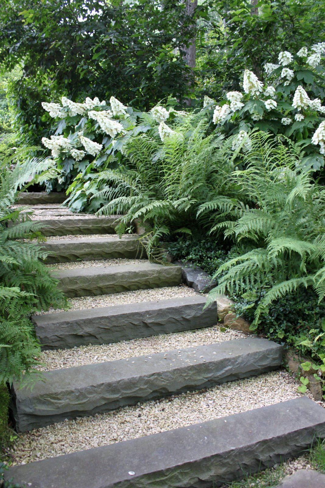 Garten Treppe Schön Kies Und Stein Waldgarten Pinterest  Dedood von Gartentreppe Selber Bauen Naturstein Photo
