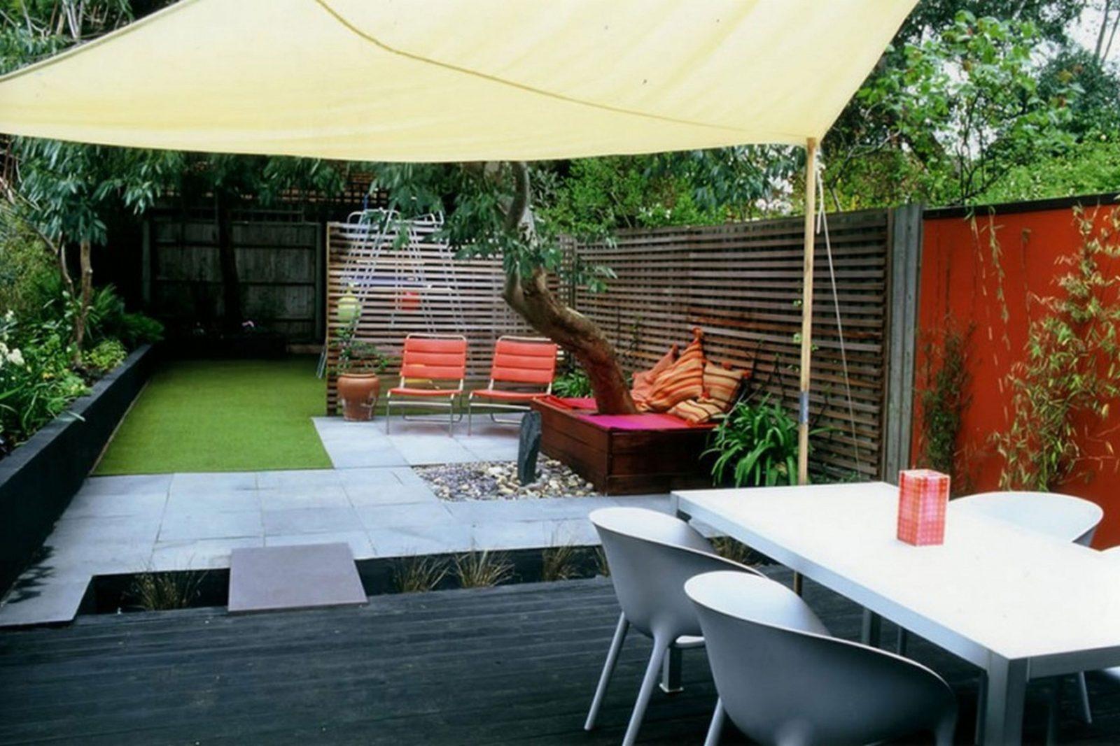 Gartengestaltung Mit Sitzecke  Freshouse von Kleine Sitzecke Im Garten Bild