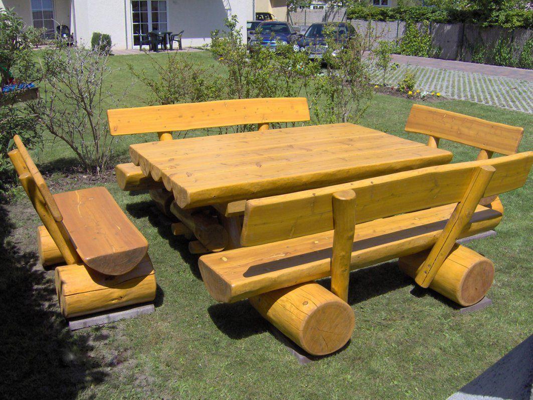 Gartentisch Holz Massiv von Gartentisch Holz Massiv Rustikal Bild
