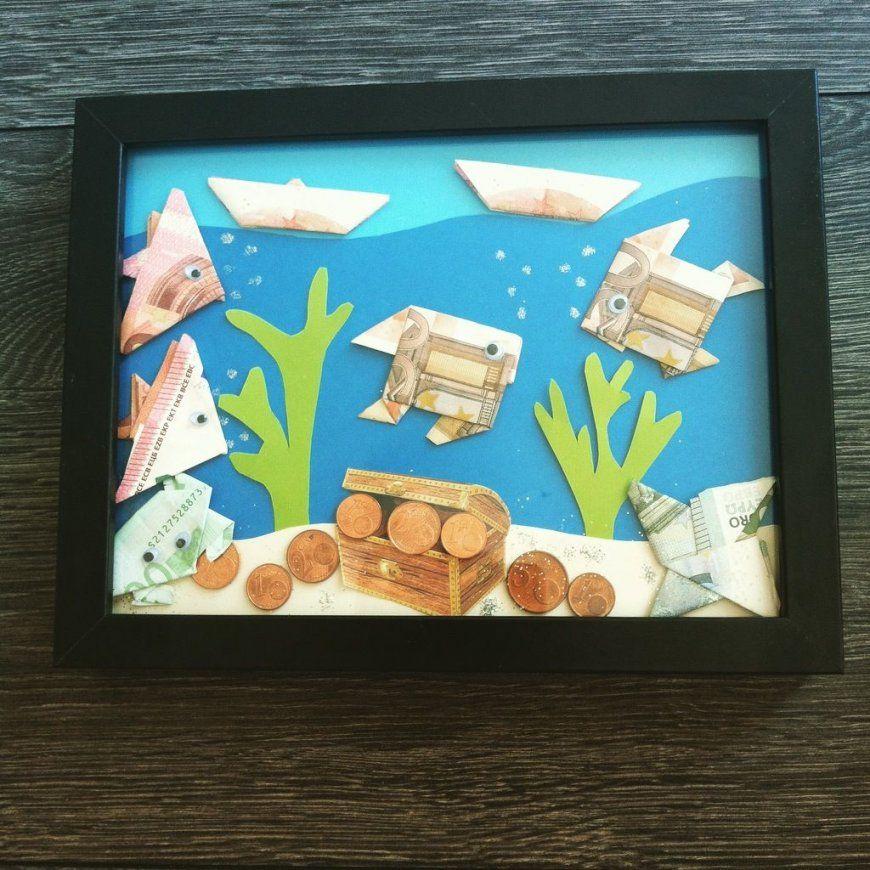 Geldgeschenk Für Eine Hochzeit  Fische Aus Geldscheinen Falten von Fisch Aus Geldschein Falten Photo