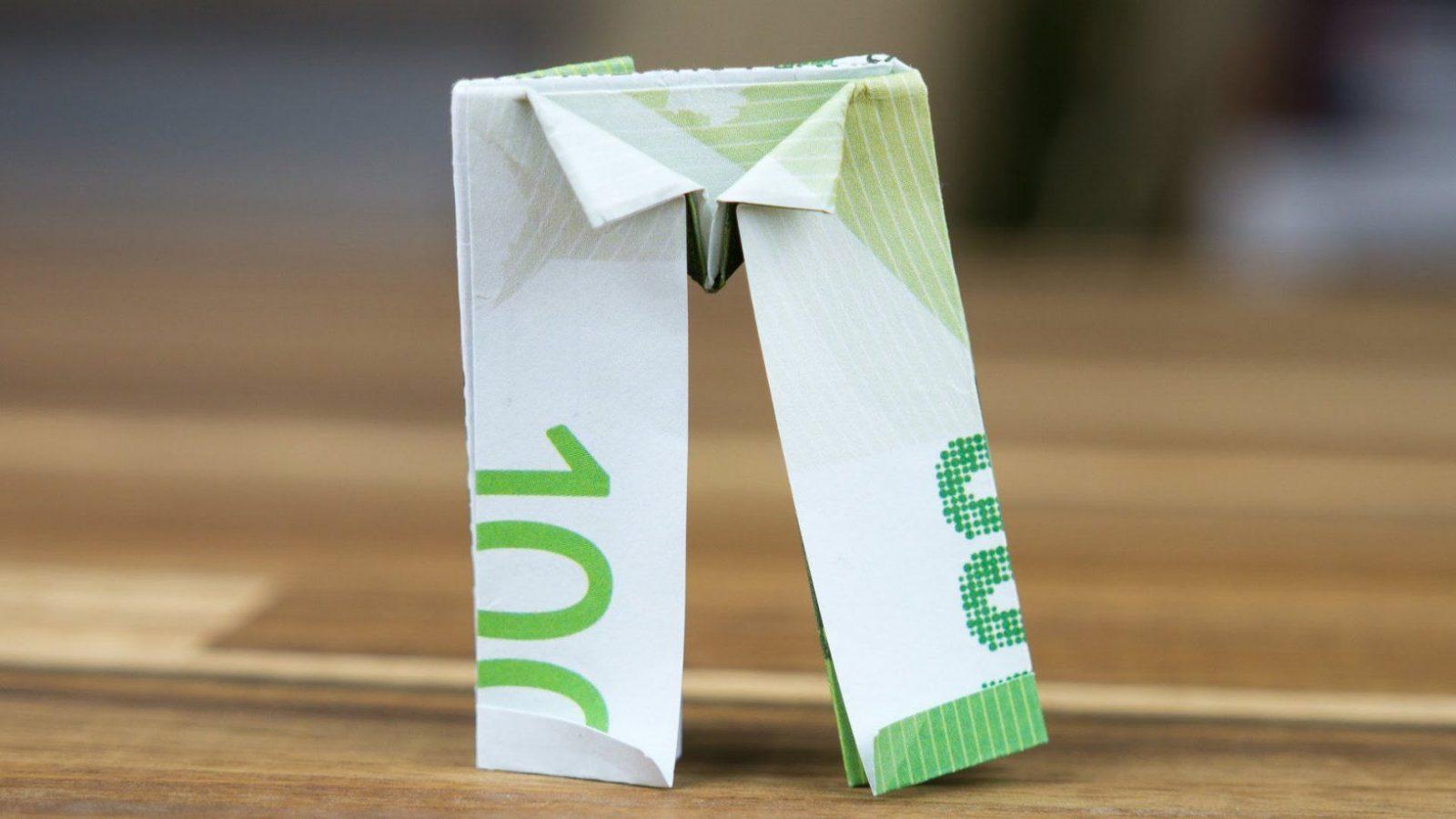 Geldgeschenk Idee Geldschein Hose Falten Origamianleitung  Youtube von Geld Zum Hemd Falten Photo
