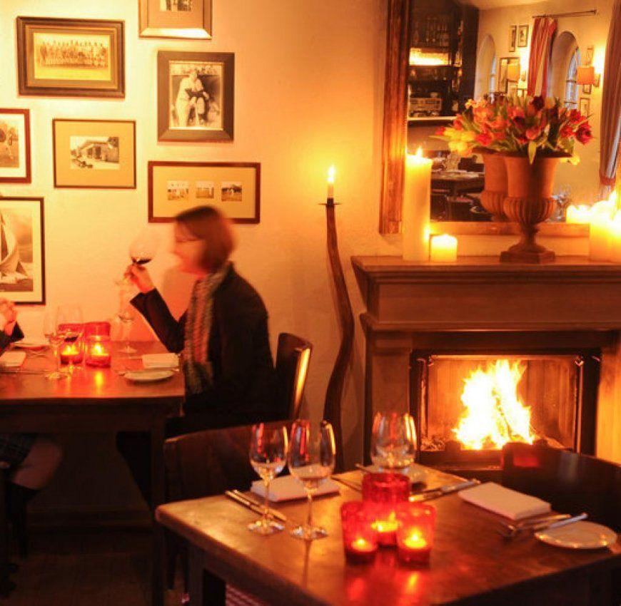 Gemütlichkeit Wo Das Kaminholz Für Alle Lodert Und Knistert  Welt von Restaurant Am Kamin Duisburg Bild