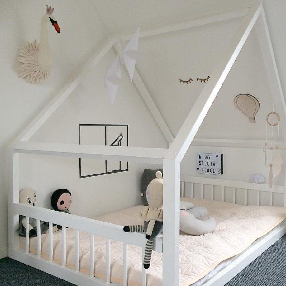 kinderbett haus selber bauen fkh. Black Bedroom Furniture Sets. Home Design Ideas