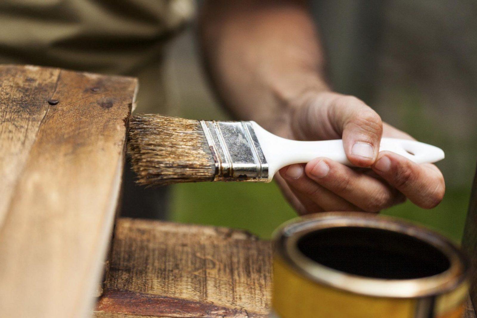 Holz Streichen Ohne Schleifen  Die Vorarbeit Entscheidet von Holz Streichen Ohne Schleifen Photo
