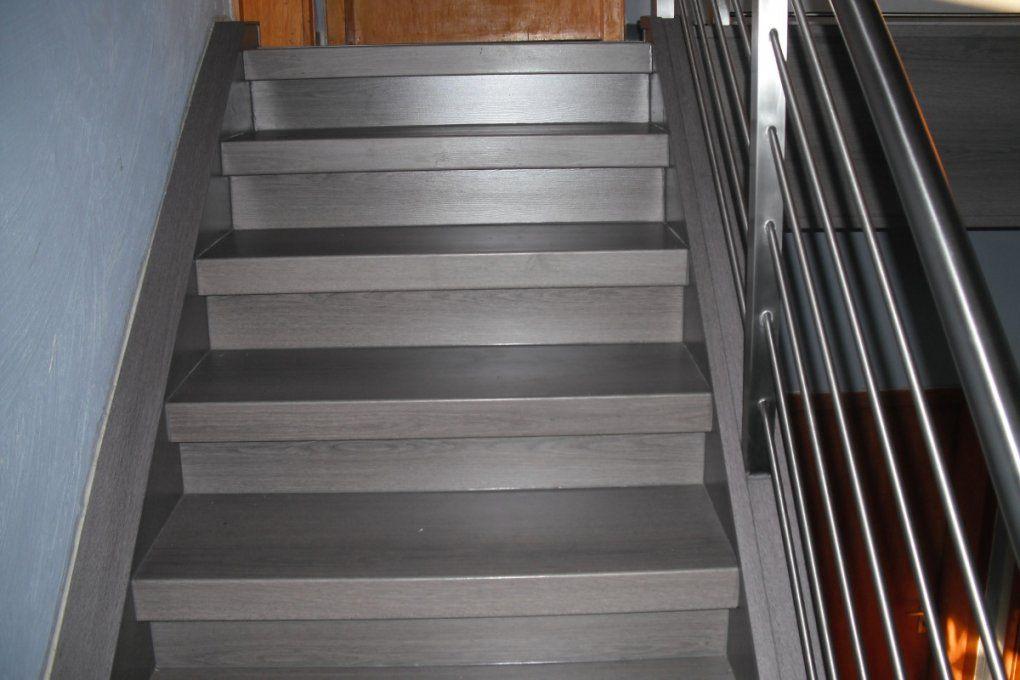 Holztreppe Abschleifen Und Neu Lackieren  Swalif von Holztreppe Streichen Welcher Lack Bild