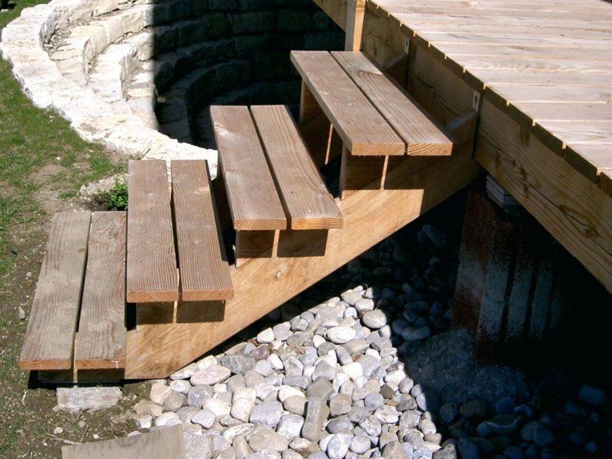 Holztreppe Aussen Ehrfurcht Gebietend Auaen Selber Bauen Terrasse von Außentreppe Holz Selber Bauen Photo