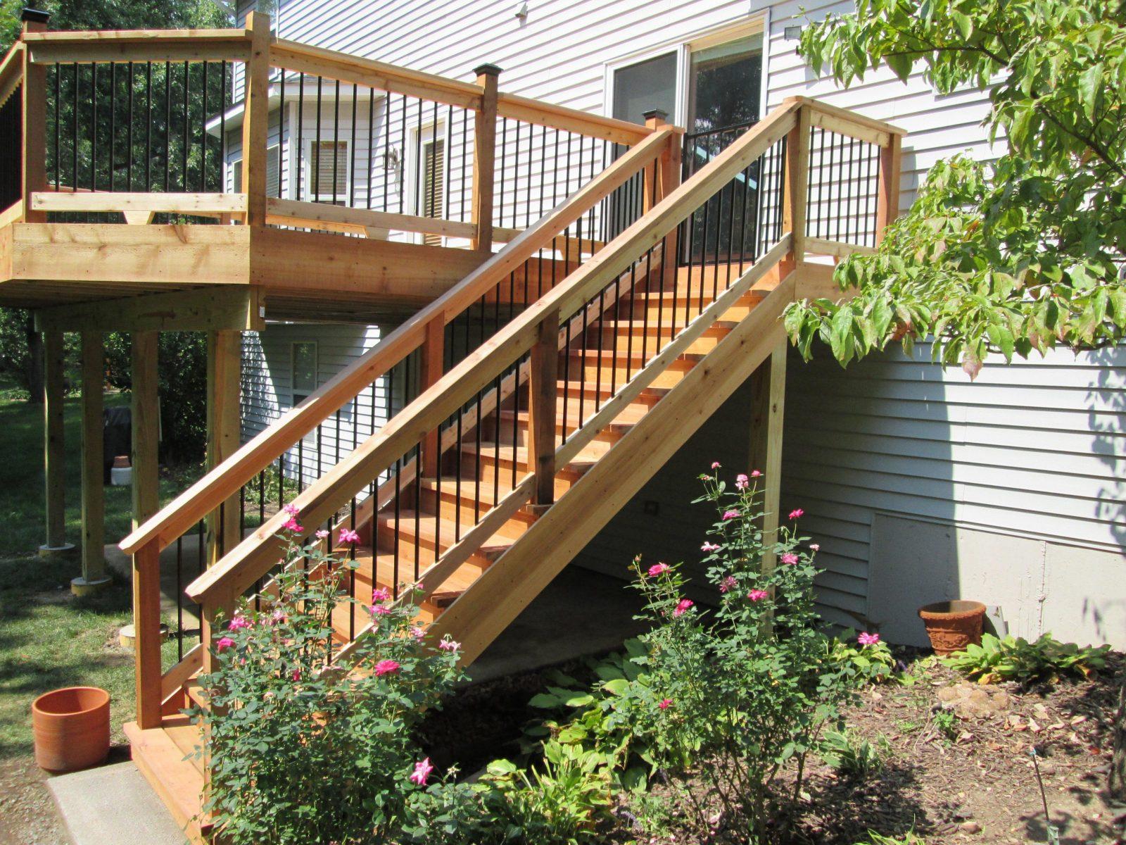 Holztreppe Aussen Geschwungene Treppeexquisit Auaen Dekoration von Außentreppe Holz Selber Bauen Bild