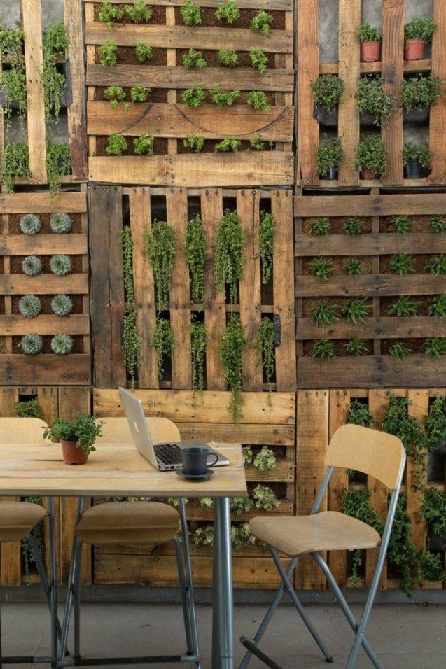 Ideen Für Kreative Verwendung Der Holz Europaletten Im Garten von Holzwände Für Den Garten Bild