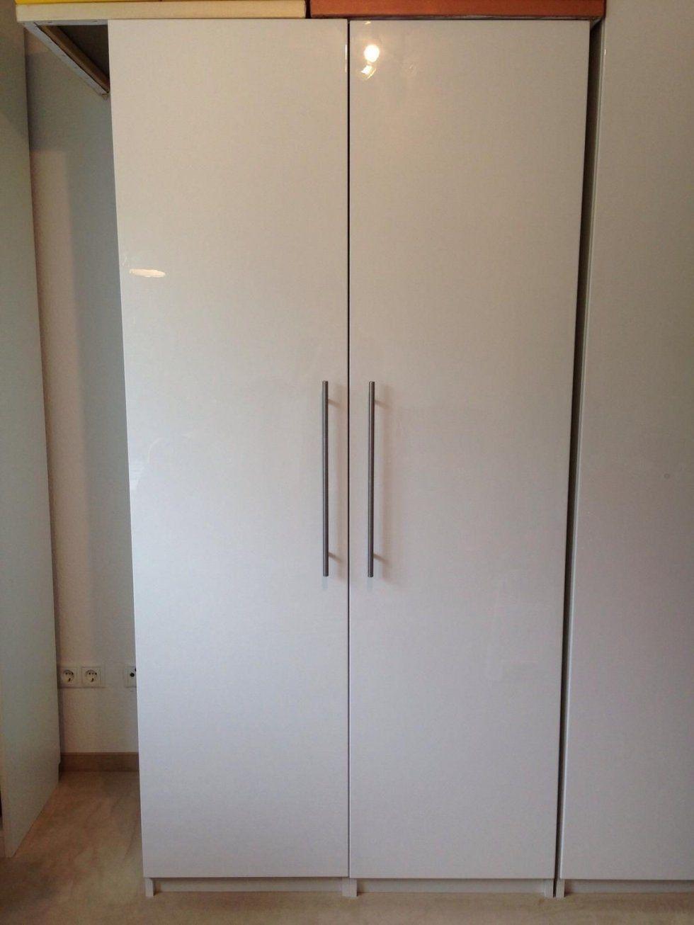 Ikea Kleiderschrank Weiß Hochglanz von Ikea Kleiderschrank Weiß Hochglanz Bild
