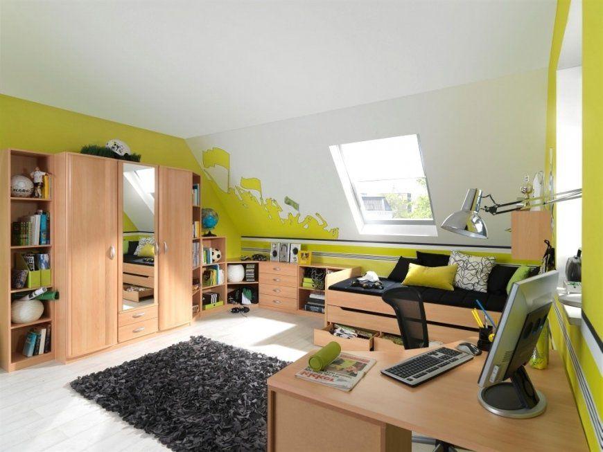 Jugendzimmer Für Jungs Mit Dachschräge von Kinderzimmer Gestalten Junge Mit Dachschräge Bild
