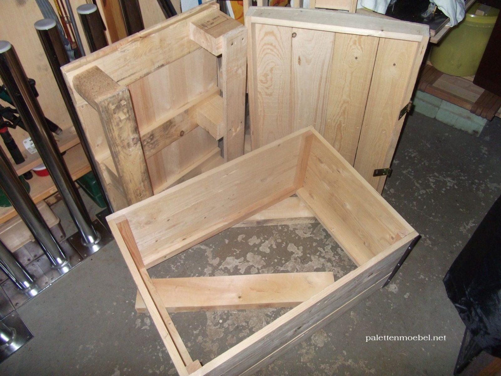 kiste selber bauen gd15 hitoiro von holztruhe selber bauen anleitung bild haus design ideen. Black Bedroom Furniture Sets. Home Design Ideas