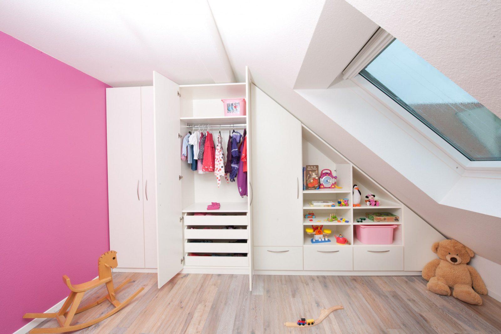 Kleine Küche Dachschräge Awesome Wohnkultur Grau Schlafzimmer von Kleines Kinderzimmer Mit Dachschräge Photo