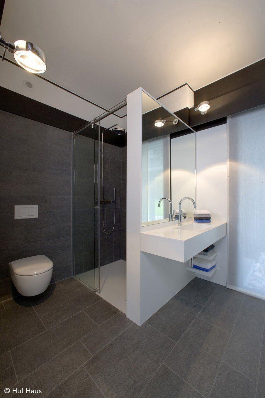 Kleines Bad Ohne Fenster Gestalten Brillant Huf Haus  Badezimmer von Kleines Bad Ohne Fenster Gestalten Bild