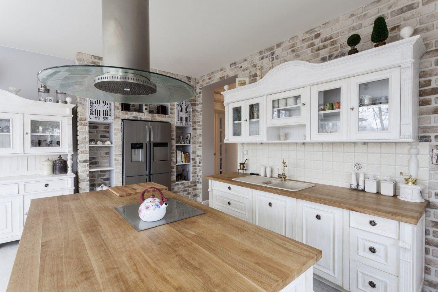 Küche Im Landhausstil Gestalten Schön Einbauküche Weiss Landhausstil von Küche Im Landhausstil Gestalten Bild