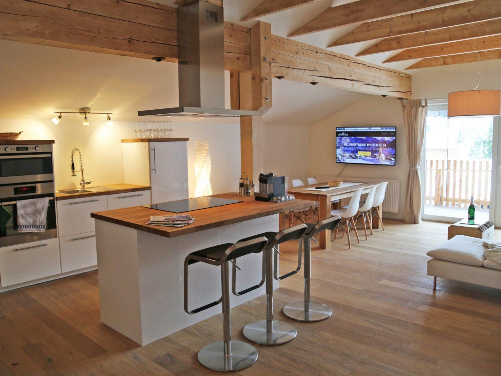 Küche Mit Kochinsel Und Tisch  Ambiznes von Küche Mit Kochinsel Und Tisch Photo