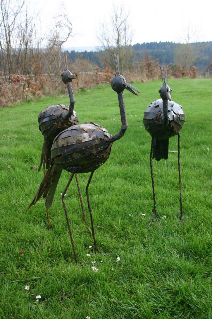 Lebensgroße Vogelskulpturen Aus Metall von Skulpturen Aus Metall Für Den Garten Photo