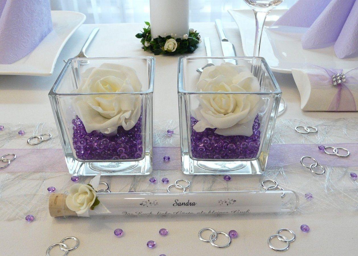 Lila Tische Zur Hochzeit Streudeko Und Windlichter Unter Http Von