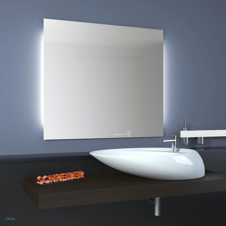 Luxus Badezimmer Fliesen Mit Badspiegel Mit Led Beleuchtung Und von Led Spiegel Mit Steckdose Photo