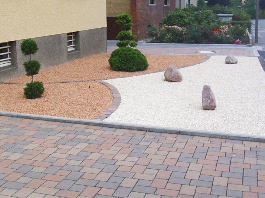 Luxus Vorgarten Anlegen Mit Steinen Wunderschne Stein Vorgarten von Beet Mit Kies Gestalten Bild