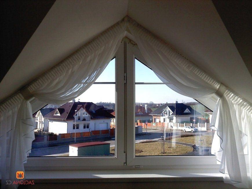 Moderne Dekoration Zimmer Mit Schragen Gardine Mit von Gardinen Ideen Für Schräge Fenster Photo