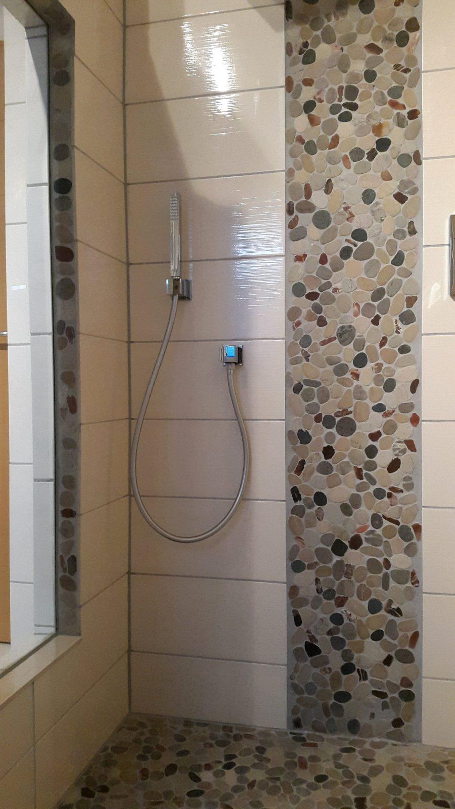 Mosaikfliesen In Der Dusche Badezimmer Fliesen Pinterest Mosaik von Mosaik Fliesen Dusche Boden Bild