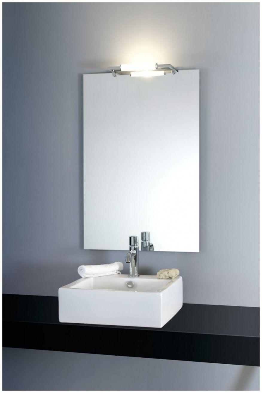 Neu Badezimmerspiegel Mit Beleuchtung Und Steckdose Bilder Von von Badspiegel Mit Beleuchtung Und Steckdose Photo